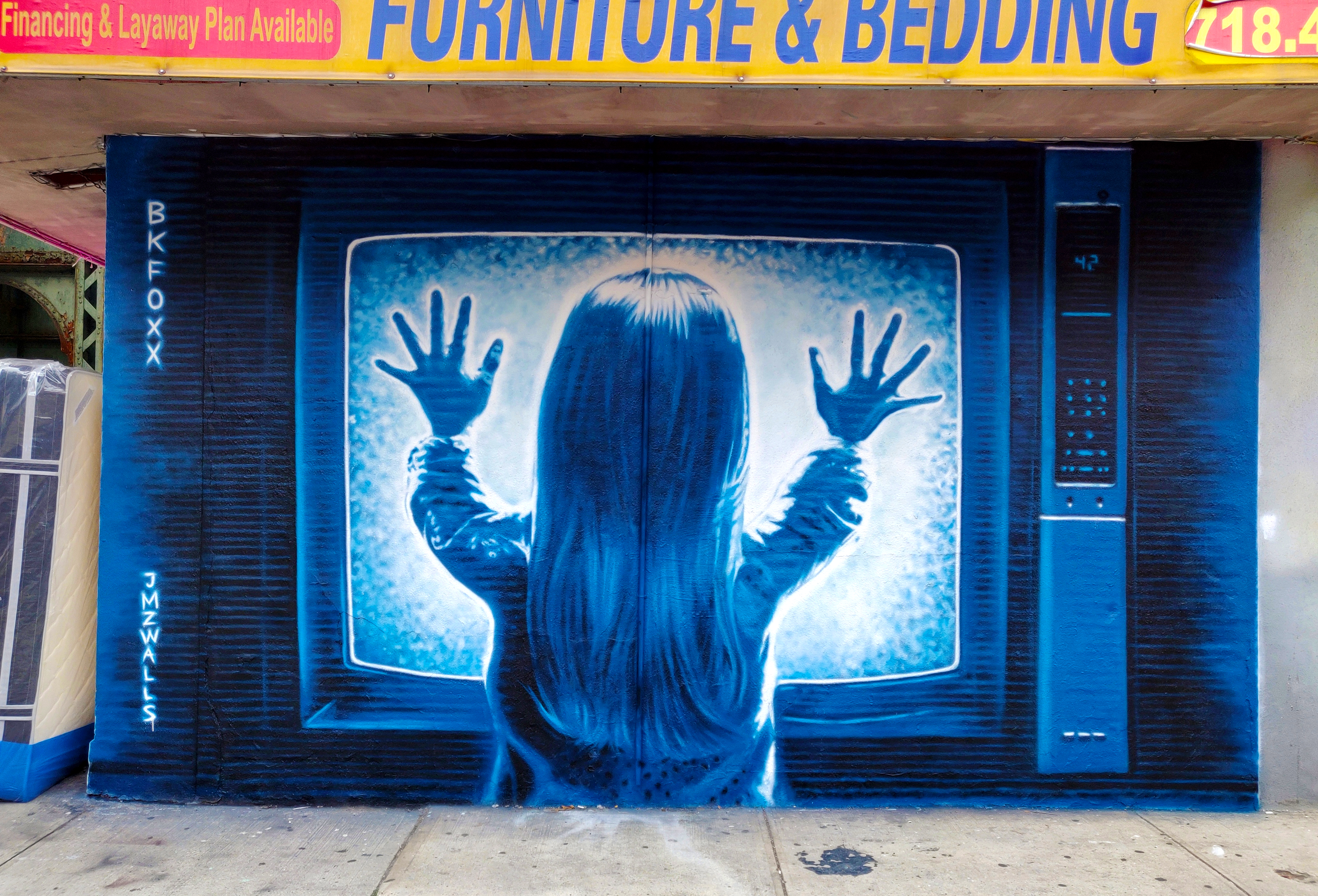 <b>21st Century</b><br>Scene from Poltergeist<br>Brooklyn, NY<br>with JMZ Walls, Oct 2018<br>photo by just_a_spectator